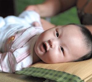 Babysitting Services Singapore Babysitter Change Nappy
