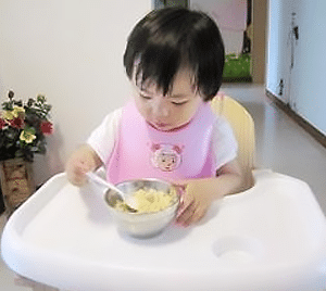 baby-led-weaning-no-nanny-feeding