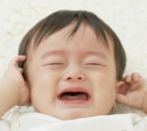 babysitter-singapore-baby-crying
