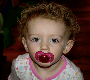 baby-pacifier-habit-babysitter-tips